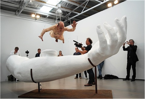Les mains ailleurs autour de l art contemporain for Art et artiste